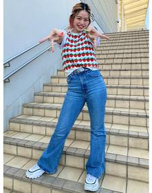 https://www.levi.jp/dw/image/v2/BBRC_PRD/on/demandware.static/-/Sites-LeviMaster-Catalog/ja_JP/dw2c63058c/images/Japan_Coordinate/ProductSetJP-497.jpg?sw=221&sh=280&q=100