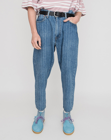 STAY LOOSE TAPERED CROP TAILORS CHALK