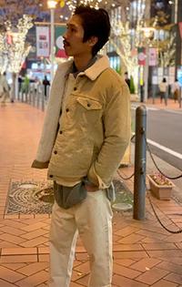 https://www.levi.jp/dw/image/v2/BBRC_PRD/on/demandware.static/-/Sites-LeviMaster-Catalog/ja_JP/dw41260d79/images/Japan_Coordinate/ProductSetJP-194.jpg?sw=200&sh=315&q=100