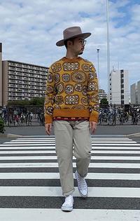 https://www.levi.jp/dw/image/v2/BBRC_PRD/on/demandware.static/-/Sites-LeviMaster-Catalog/ja_JP/dw44e501a6/images/Japan_Coordinate/ProductSetJP-297.jpg?sw=200&sh=315&q=100