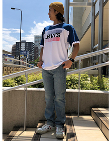 https://www.levi.jp/dw/image/v2/BBRC_PRD/on/demandware.static/-/Sites-LeviMaster-Catalog/ja_JP/dw56694725/images/Japan_Coordinate/ProductSetJP-488.jpg?sw=221&sh=280&q=100