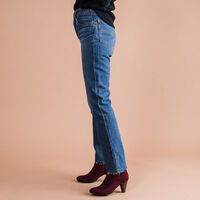 JEANS FOR WOMEN MARKET RUSH