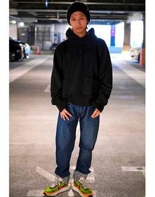 https://www.levi.jp/dw/image/v2/BBRC_PRD/on/demandware.static/-/Sites-LeviMaster-Catalog/ja_JP/dw86eaf47c/images/Japan_Coordinate/ProductSetJP-137.jpg?sw=221&sh=280&q=100