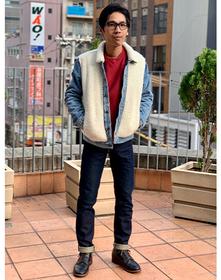 https://www.levi.jp/dw/image/v2/BBRC_PRD/on/demandware.static/-/Sites-LeviMaster-Catalog/ja_JP/dwb00369a5/images/Japan_Coordinate/ProductSetJP-176.jpg?sw=221&sh=280&q=100