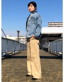 https://www.levi.jp/dw/image/v2/BBRC_PRD/on/demandware.static/-/Sites-LeviMaster-Catalog/ja_JP/dwb6690252/images/Japan_Coordinate/ProductSetJP-211.jpg?sw=221&sh=280&q=100