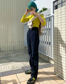https://www.levi.jp/dw/image/v2/BBRC_PRD/on/demandware.static/-/Sites-LeviMaster-Catalog/ja_JP/dwcbfd490c/images/Japan_Coordinate/ProductSetJP-538.jpg?sw=221&sh=280&q=100
