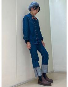 https://www.levi.jp/dw/image/v2/BBRC_PRD/on/demandware.static/-/Sites-LeviMaster-Catalog/ja_JP/dwd2d1f2c3/images/Japan_Coordinate/ProductSetJP-179.jpg?sw=221&sh=280&q=100