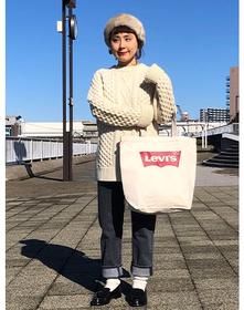https://www.levi.jp/dw/image/v2/BBRC_PRD/on/demandware.static/-/Sites-LeviMaster-Catalog/ja_JP/dwd34beed1/images/Japan_Coordinate/ProductSetJP-206.jpg?sw=221&sh=280&q=100