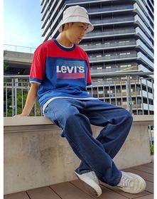 https://www.levi.jp/dw/image/v2/BBRC_PRD/on/demandware.static/-/Sites-LeviMaster-Catalog/ja_JP/dwe03a4c97/images/Japan_Coordinate/ProductSetJP-484.jpg?sw=221&sh=280&q=100