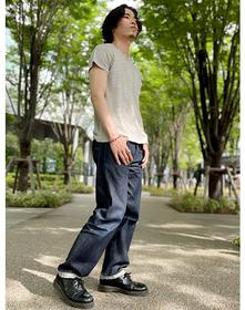 https://www.levi.jp/dw/image/v2/BBRC_PRD/on/demandware.static/-/Sites-LeviMaster-Catalog/ja_JP/dwe5b98988/images/Japan_Coordinate/ProductSetJP-449.jpg?sw=221&sh=280&q=100